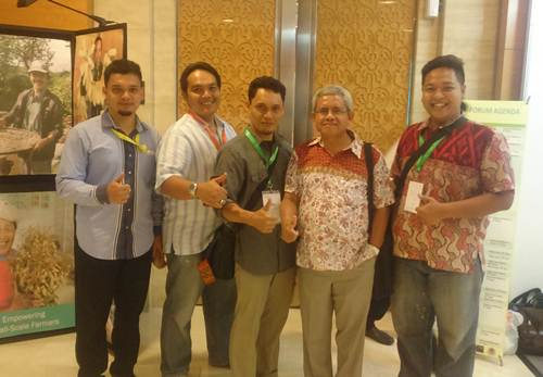 DR. Surip Mawardi dan Team Sada Coffee