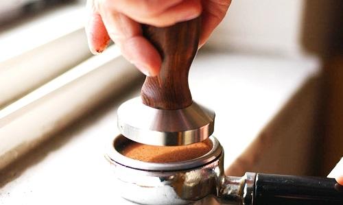 Hubungan Pressure dan Level Grinding pada Espresso