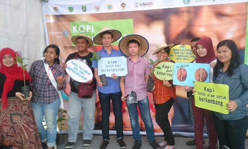 Empat Kunci Meningkatkan Keuntungan Petani Kopi