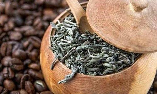 Daun kopi atau Kawa Daun